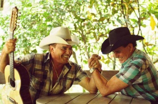 Após 48 anos de carreira, dupla sertaneja Gino e Geno se separa