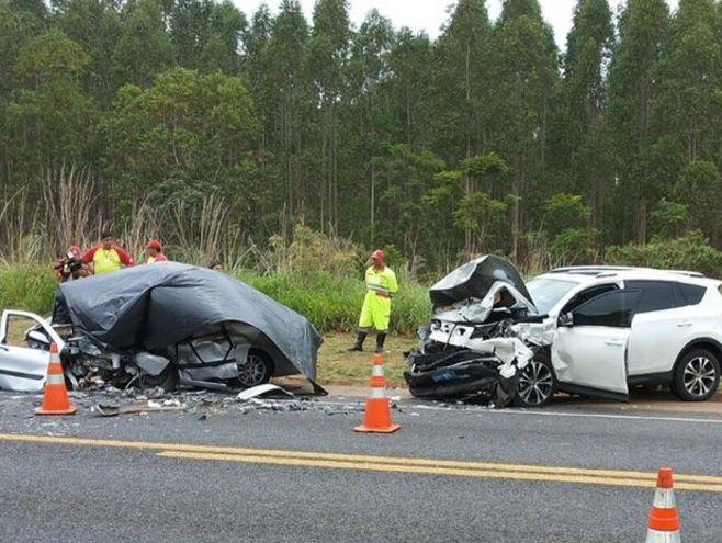 Mulher grávida e marido morrem em acidente; filho de 5 anos fica ferido