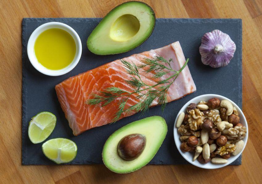 Resultado de imagem para Consumo balanceado de gorduras mono e poli-insaturadas auxilia no sistema imunológico e na saúde cardiovascular