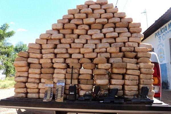 PF combate tráfico internacional de drogas em Mato Grosso    Agua ... 23ed842d8b994