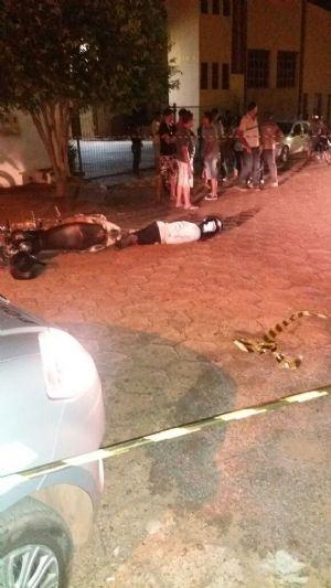 Policial da Força Tática de MT é baleado; bandido morre durante assalto em Aragarças