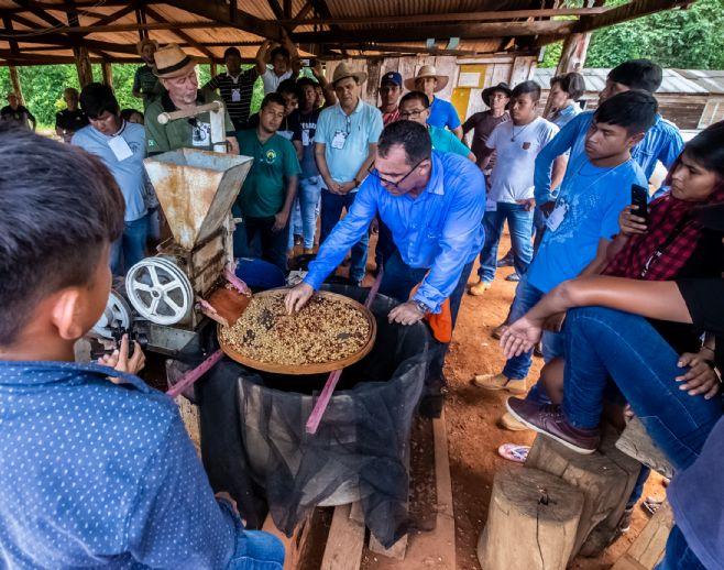 Cacoal/RO - Povo Suruí: produção de café especial pode crescer até 60% em 2019