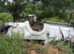 PERIGO NAS ESTRADAS:  Caminhonete capota e professora da universitária morre na BR-174